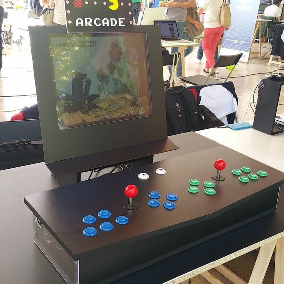 Something we loved from Instagram! #arcade  #raspberrypi by pcguia Check us out http://bit.ly/1KyLetq