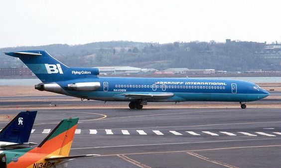 Braniff International Boeing 727-227/Adv N449BN taxiing towards the runway at Washington-National, circa March 1982. (Photo: Frank C. Duarte Jr., Copyright: Braniff Flying Colors Collection)
