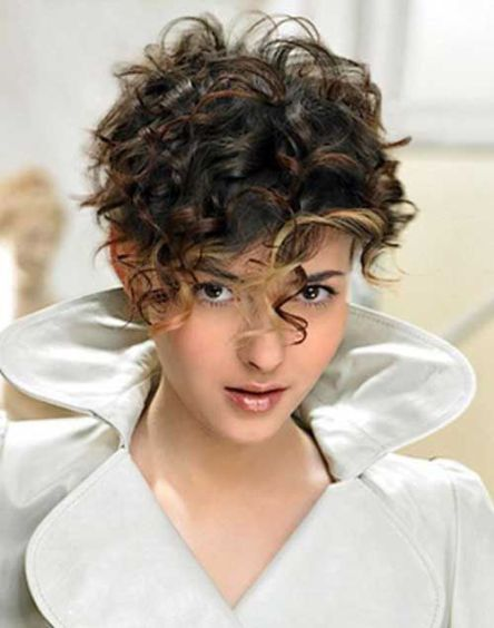 40 Short Haircuts For Curly Thick Hair With Images Curly Hair Styles Naturally Short Curly Haircuts Curly Hair Styles