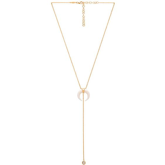 Jacquie Aiche Double Bone Horn Necklace (€205) ❤ liked on Polyvore featuring jewelry, necklaces, horn jewelry, chain pendants, dangling jewelry, pendant jewelry and chain necklaces