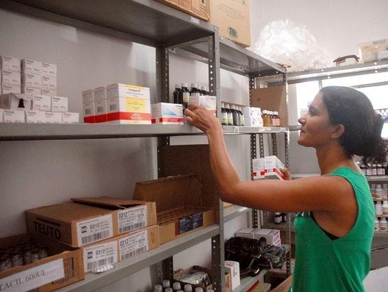Volta de remédio em gôndola de farmácia é discutida