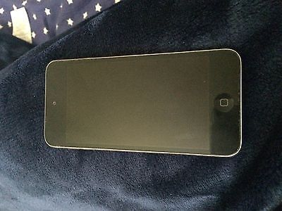 Apple iPod touch 5th Generation Silver/Black (16GB) https://t.co/HqZYBkSeig https://t.co/3JTOaEwubZ