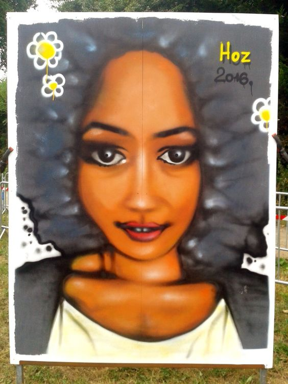 04/09/2016 Fresque portrait #graffiti à #Quimper (France) Photos/infos : http://www.hoz.fr/graffiti/20160905-portrait-olympia1990-quimper.htm