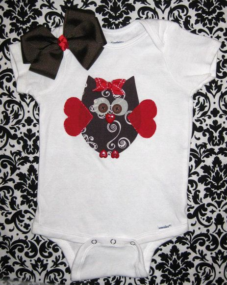 Ok obviously not in a onsie but I want a shirt with that owl on it for Riley so freaking cute for Valentines Day.