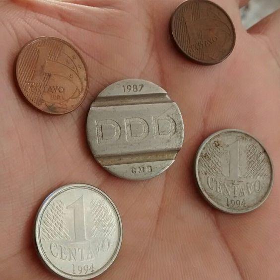 Raridade hoje em dia (moedas de 1 centavo de Real e ficha telefônica)