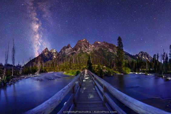 "Buonanotte...""like a bridge over troubled water"" MilkyWay from SpringLakeBridge by W.Pacholka http://youtu.be/H_a46WJ1viA"