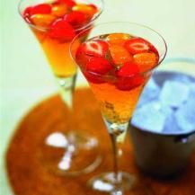 Rose sparkle:  1 fl oz. (30 ml) Southern Comfort.   1/2 fl oz. (15 ml) strawberry liqueur.   3 fl oz. (90 ml) Champagne.   1 fl oz. (30 ml) tonic.   4 strawberry chunks.   3 orange chunks.