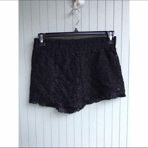 Black lace shorts   Pantalones cortos, Encaje y Pantalones cortos ...