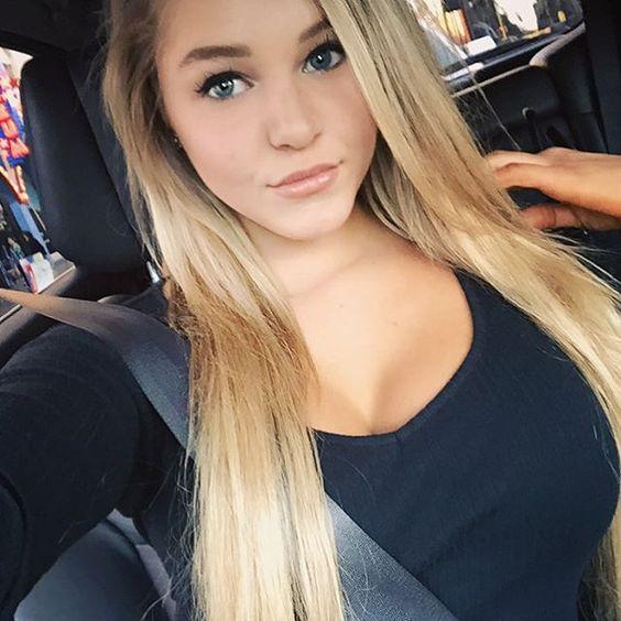 hot instagram babe Courtney Tailor