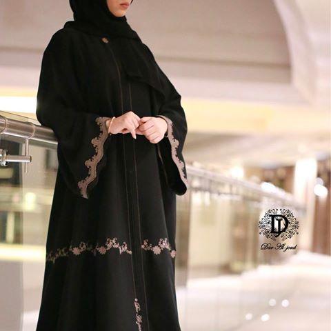 تشكيلة متنوعة من عبايات رمضان في دار الجود السالمية شارع بغداد ت 25725772 توجد خدمة الشحن لجميع الدول Abaya Fashion Dubai Abaya Fashion Abayas Fashion