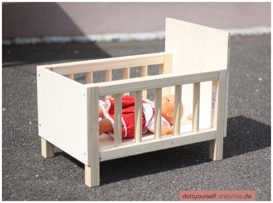 Bastelanleitung - Puppenbett (Nähanleitung und Bauanleitung) - ein Designerstück von shesmile bei DaWanda