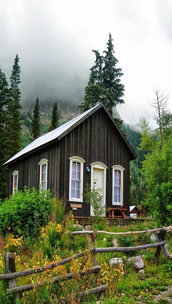 maison en bois tiny house maison bois pinterest maisons en bois. Black Bedroom Furniture Sets. Home Design Ideas