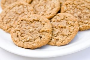 Oatmeal Peanut Butter Cookies from the Dr. Oz show.. These delicious cookies are made with banana puree instead of sugar. Replacing half the sugar called for in your recipe with this puree adds fiber and moisture without sacrificing the sweet taste you love.