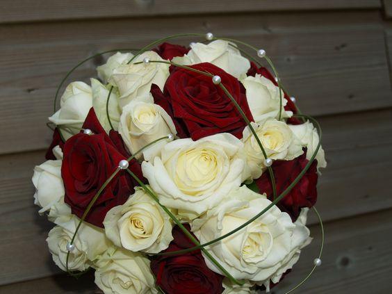 Google Afbeeldingen resultaat voor http://www.c-flowers.nl/Bruidsboeket_nr_2_files/Bruidsboeket%2520nr%25202%2520rood%2520wit_1.jpg