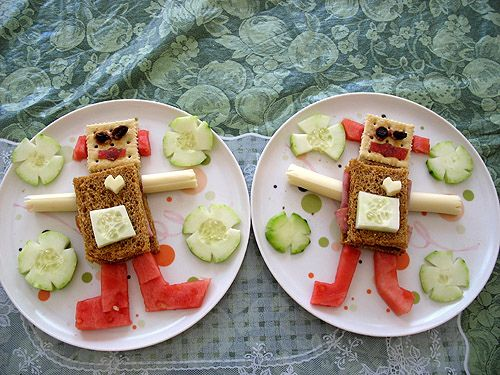 Robot sannies...a fun way to get your kid to eat healthy food, no?
