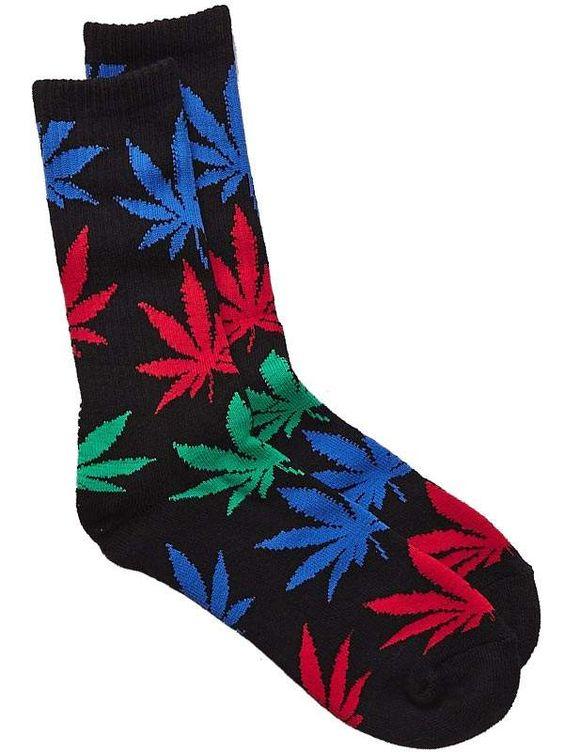 Chaussette HUF - Plantlife socks de chez Huf noire avec logo plantlife en vert bleu rouge.