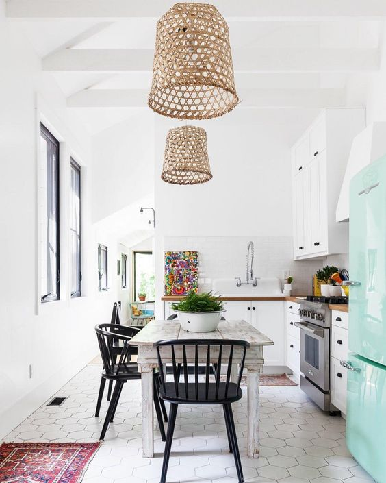 Wooden pendant lamp in dining