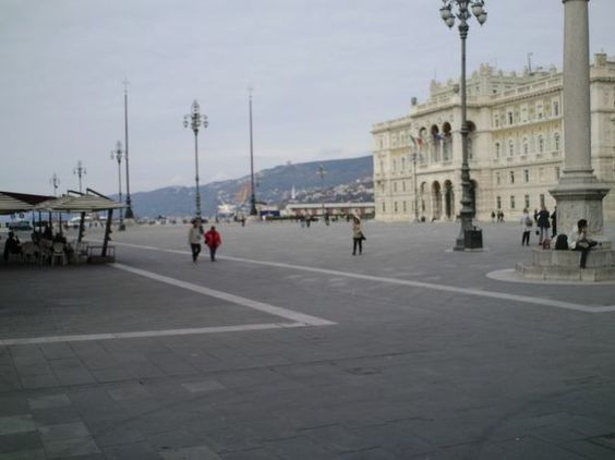 Piazza Unitá