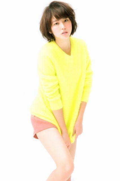 黄色のトップスが可愛い長澤まさみ