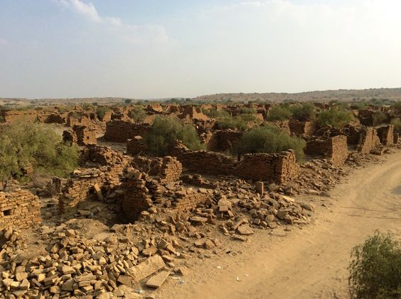 Which of these villages is said to be haunted and was abandoned by the villagers in the 19th century? - Kuldhara village