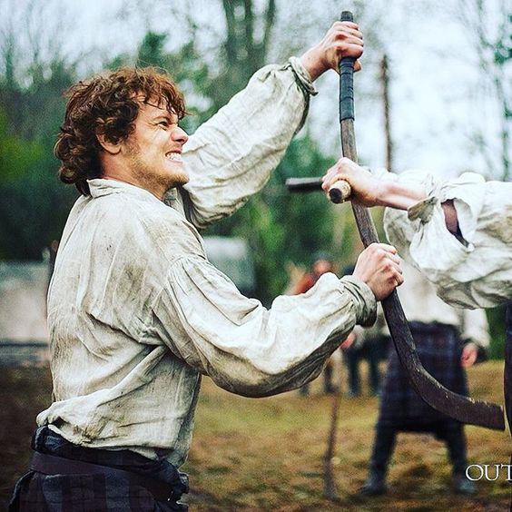 A shinty-playing Jamie Fraser is the perfect start of the week, don't you agree?