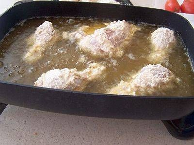 Electric Skillet Fried Chicken:  An electric skillet works well for frying chicken, because it maintains the proper temperature throughout the cooking process. That helps the chicken form a crispy crust without drying out or becoming overcooked.