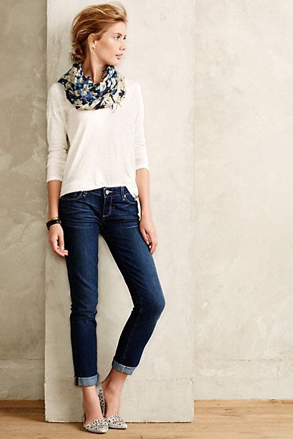 Easy outfit to transition into Fall. White tee, skinny jeans and a cute patterned scarf.