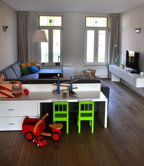 woonkamer met kinderhoek na STIJLIDEEs interieuradvies, kleuradvies ...