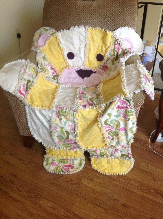 Bear rag quilt for Aubrey My quilts Pinterest Rag quilt, Bears and Aubrey o day