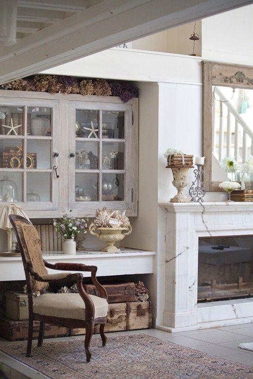 White living room with shabby chic decor in French farmhouse (via Tania Bourea of Grange de Charme). #shabbychic #Frenchfarmhouse