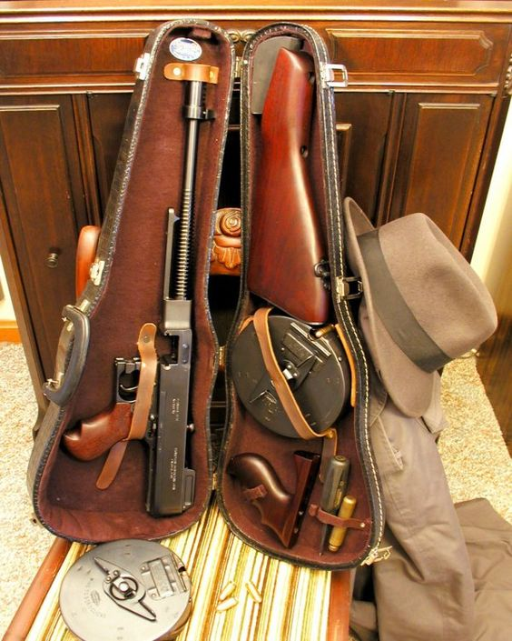 How real gangsters carried guns