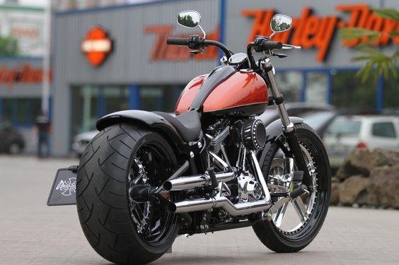 Customized Harley-Davidson Softail Blackline by Thunderbike Customs Germany