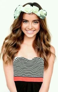 Hey I'm Kalani!!! Im 14, I am a dancer and model!!! I am also on a show called Dance Moms.... My mom is Kira!!!