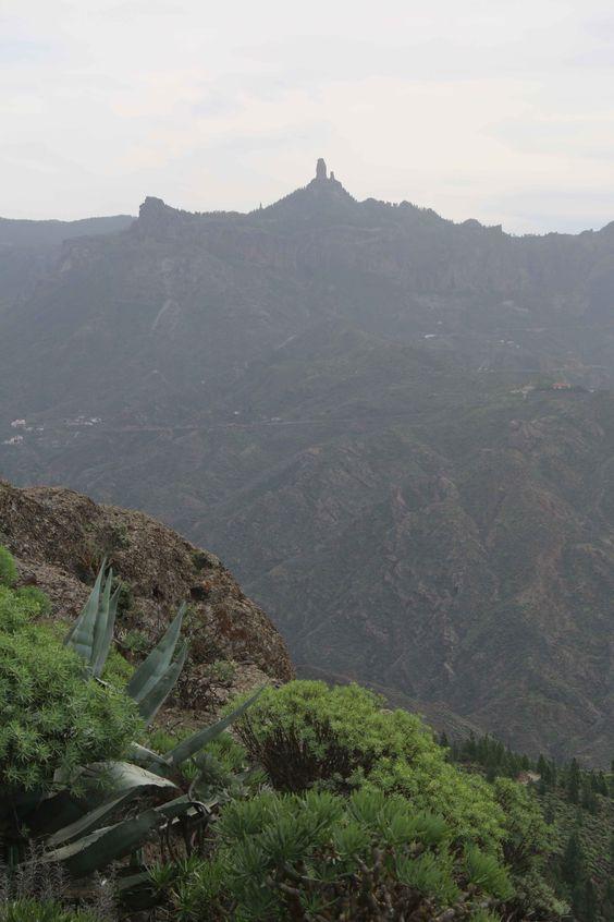 Dunas de Maspalomas. Gran Canaria es una de las islas más bonitas de España sin dudarlo. Exuberante vegetación y preciosas playas. Visita mi blog de viajes para descubrir mis aventuras por Gran Canaria: https://unachicatrotamundos.wordpress.com/2016/07/31/gran-canaria-playas-de-arena-negra-y-vegetacion-variada/