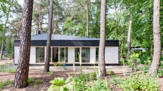 Southwards - Waldhaus am Königswald, Holzhaus BDA Preis 2012, German Design Award special mention 2014