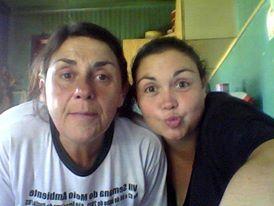 Yo y mi madre! con besitos, su nombre és Maritani