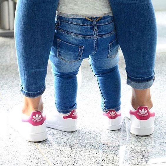 TAL MÃE, TAL FILHA ✨ #talmaetalfilha #gilrs #maedeprincesa #maedemenina #baby #babygirl #look #fashion #mundodamoda #mundogirl_ #mundofeminino #cute #adidas #adidasoriginals #euquero #perfeito #top