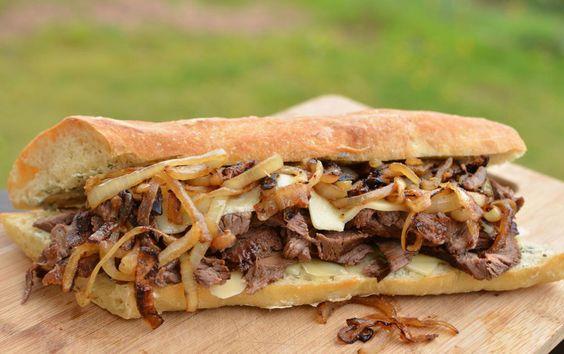 Dit Broodje Rosbief met Ui en Kaas is echt een fantastisch recept!