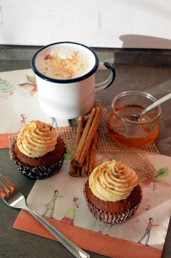 Dieses Jahr habe ich nachgeholt, was ich letztes Jahr schon so gerne gebacken hätte, aber nicht mehr geschafft hatte: Cupcakes mit Quit...