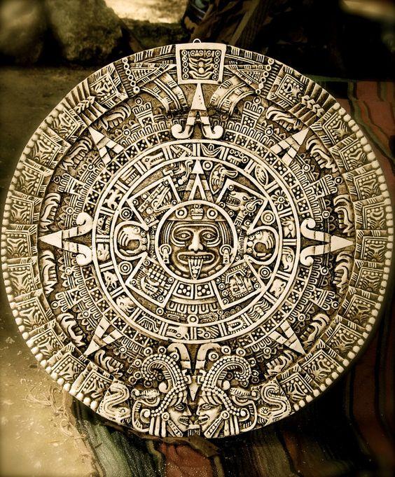 La Piedra del Sol es un disco monolítico de basalto de olivino con inscripciones alusivas a la cosmogonía mexica y los cultos solares. Es común e incorrectamente llamada Calendario Azteca. Las interpretaciones sobre la función y el significado de este monolito son diversas entre especialistas desde su re descubrimiento en el siglo XVIII. Probablemente fue una plataforma de combate gladiatorio, involucrado probablemente en la festividad mexica Tlacaxipehualiztli. Mide 3,60 metros de diámetro