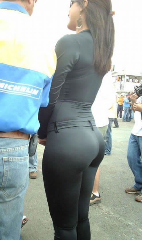 70%20Big%20Ass%20in%20Black%20Spandex