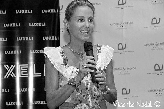 Carla Royo-Villanova en la presentación de su línea cosmética en el Evento Luxeli Belleza