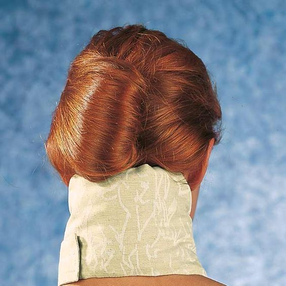 Viridis Nackenfreund mit Torf; Empfehlenswert bei:  - Tätigkeiten mit einseitiger Beanspruchung der Nackenmuskulatur (z.B. Arbeit am Bildschirm) - steifem Nacken oder Nackenschmerzen - zur Lockerung der Nackenmuskulatur - bei Gelenkabnutzung