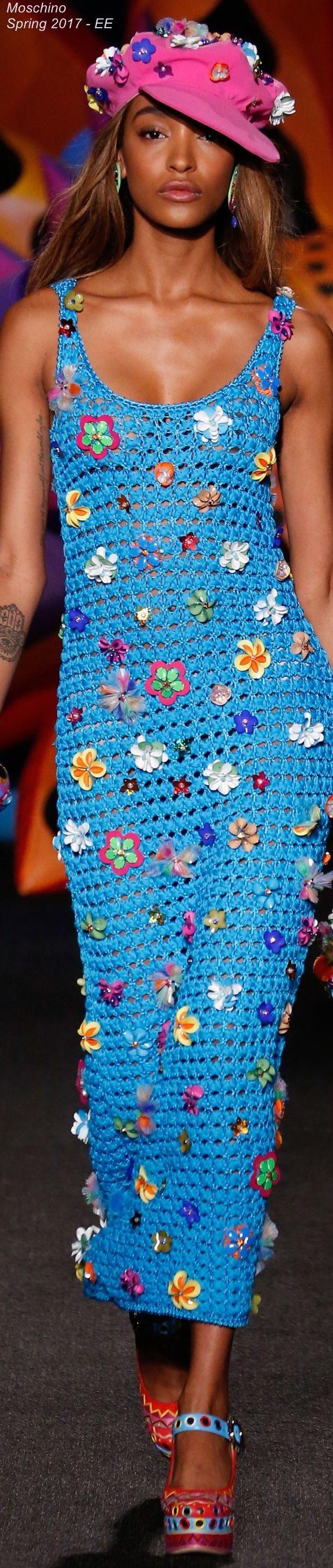 Spring 2017 Menswear Moschino - EE Croch? - Vestidos 19 ...