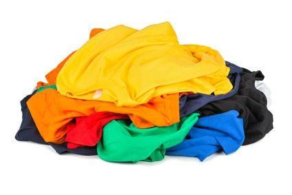 Schweißgeruch aus Kleidung entfernen und vorbeugen | Frag Mutti