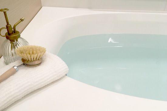 お風呂の天井 壁のカビ取り オキシクリーンやアルコールスプレーで