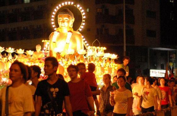 Lễ Phật Đản là một ngày lễ lớn ở Singapore