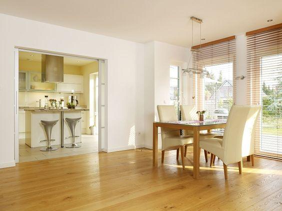 Halboffener Bereich Esszimmer/Wohnbereich und Küche