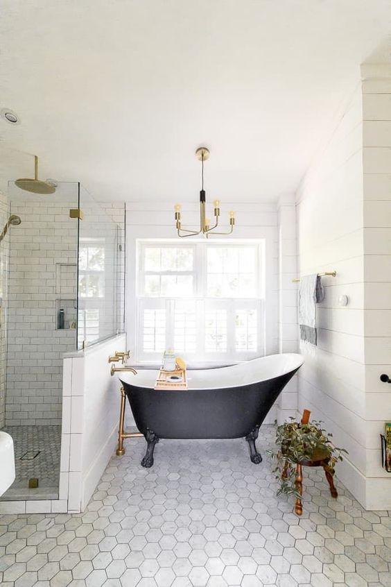 Insanely Cute Coastal Bathroom