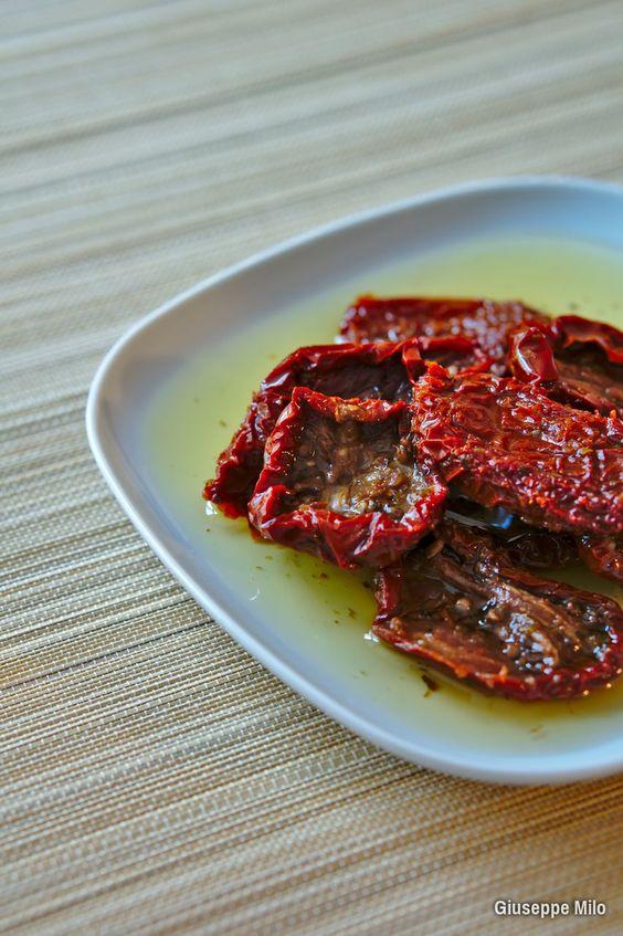 Pomodori secchi sott'olio, la ricetta con il trucco